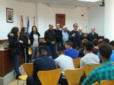 Visita a l'Ajuntament dels joves migrants sense referents familiars acollits a l'Alberg Mas Silvestre